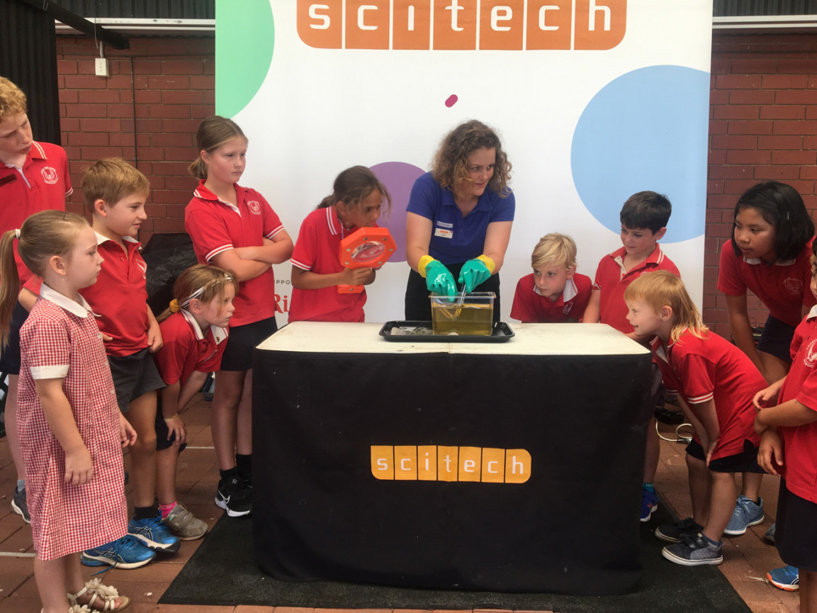 statewide science presenter show with students